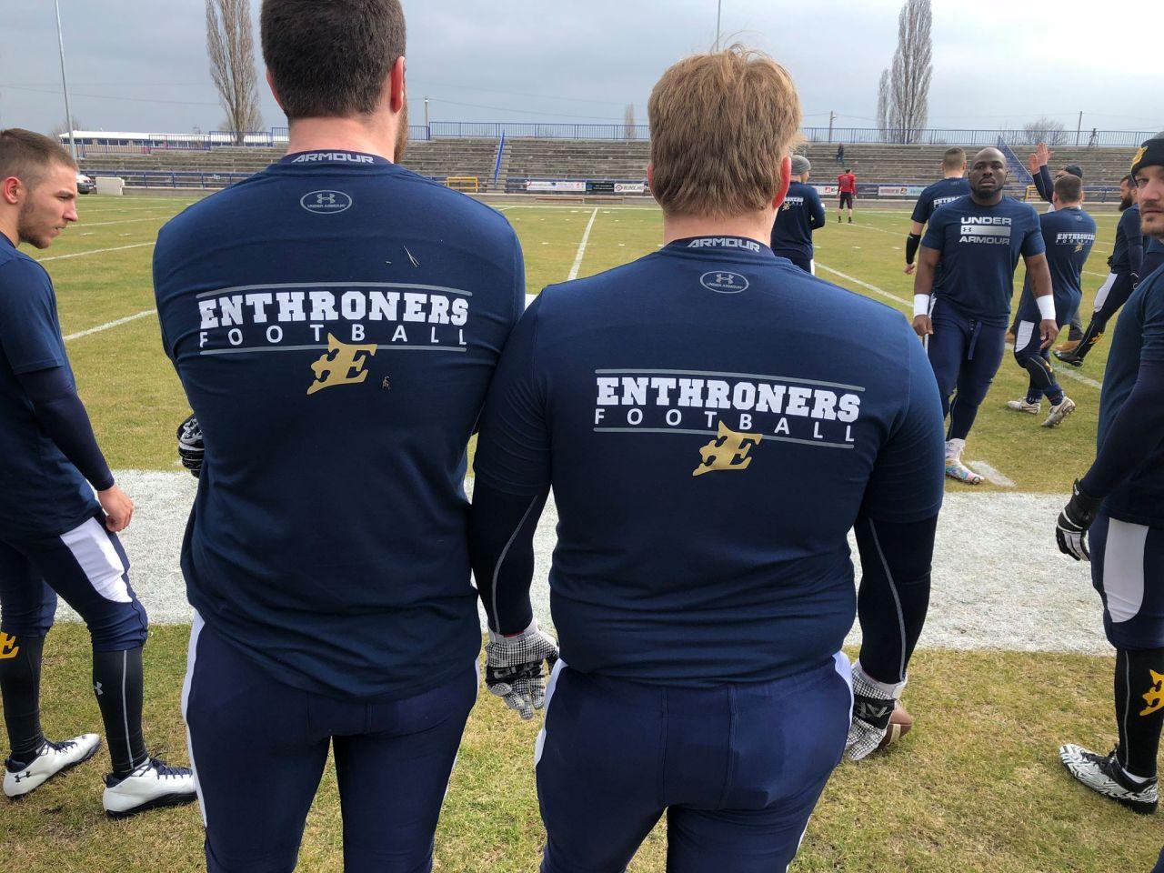 Enthroners csapatpólók